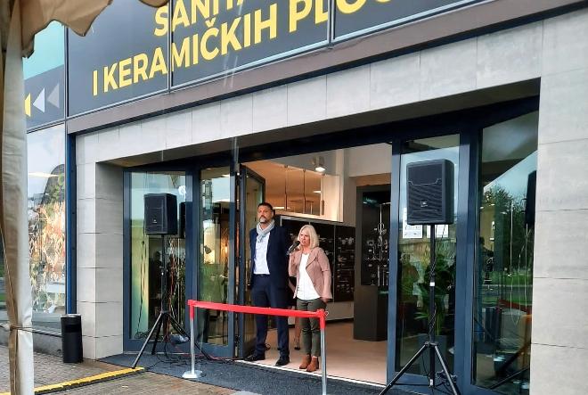 Petrokov otvorio vrata novog izložbeno-prodajnog salona