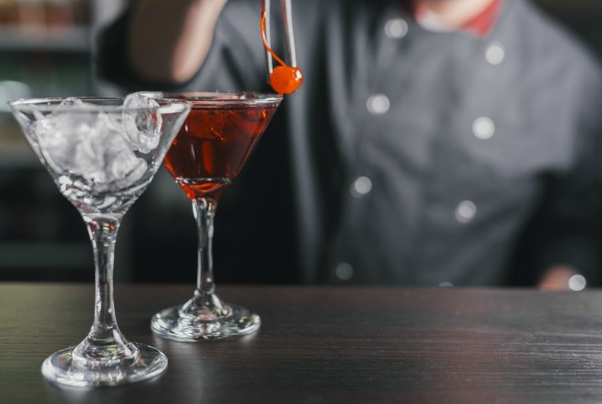 Obrtničko učilište Zagreb provodi osposobljavanje za konobare, slastičare te priprematelje pića i napitaka