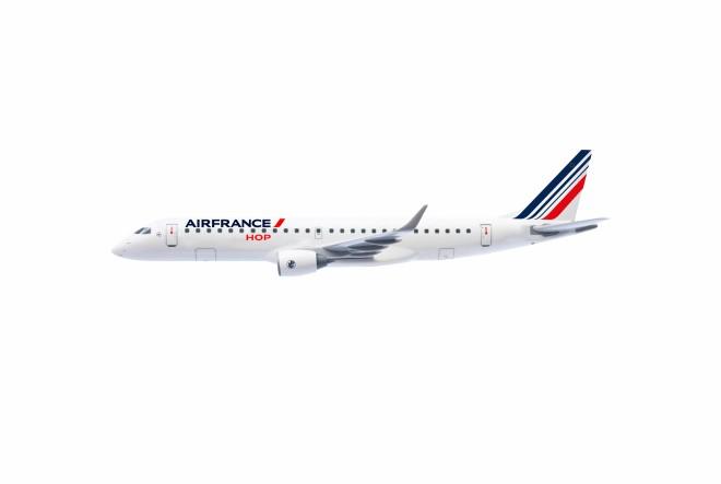 Air France osigurava besplatan prijevoz za sve službene partnere uključene u obnovu katedrale Notre-Dame