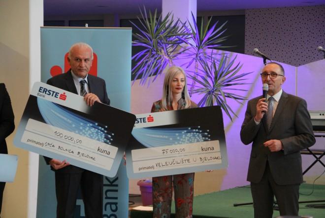 Općoj bolnici Bjelovar i Veleučilištu Bjelovar  Erste banka uručila 175.000 kuna donacija