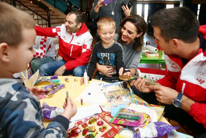 Crodux i hrvatski olimpijci donose djelić božićnog ugođaja u SOS Dječje selo Lekenik