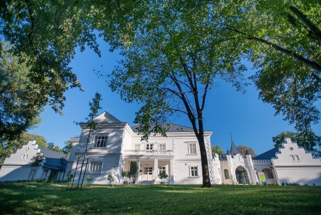 Obnavljaju dvorce i kurije, u fokusu im je zeleni i eko turizam