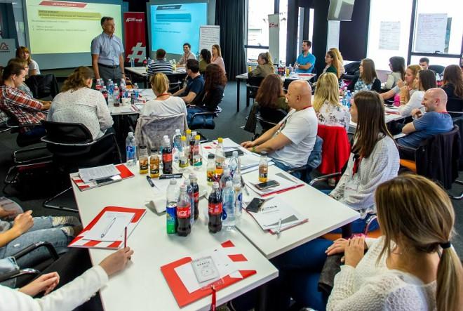 Počinje novi ciklus besplatnih obrazovnih radionica Coca-Colina podrška mladima za 1700 mladih nezaposlenih osoba