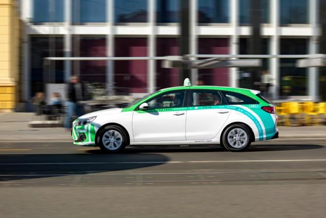 Prvi taksi na struju u redovima Eko taxija