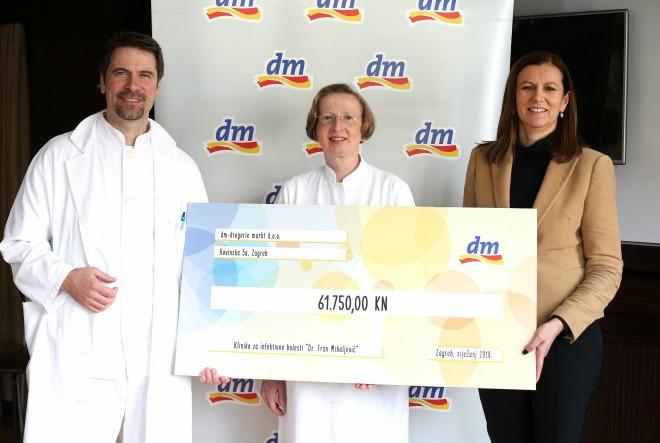 """Donacija dm-a Klinici """"Dr. Fran Mihaljević"""" omogućila kupnju monitora za nadzor vitalnih funkcija"""