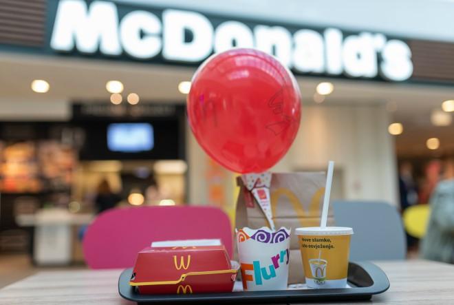 McDonald's uvodi papirnate slamke uz obvezu da će do 2025. godine koristiti isključivo recikliranu ambalažu