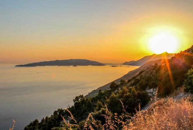 Zaljubljenici u Pelješac i pelješka vina počinju Dani otvorenih vrata peljeških podruma