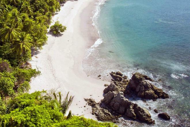 Do predivne pacifičke obale Kostarike 4 puta tjedno preko Amsterdama