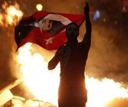 Turska policija oklopnjacima na prosvjednike, 29 ozlijeđenih