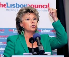 Viviane Reding: 40 posto članova u nadzornim odborima moraju biti žene!
