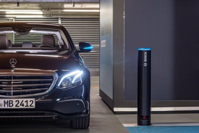 Prvi u svijetu: Bosch i Daimler dobivaju odobrenje za parkiranje bez vozača i bez ljudskog nadzora