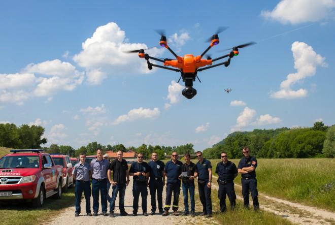 Vatrogasnim društvima održana stručna edukacija o upravljanju dronovima