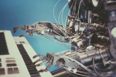 Gotovo trećina potrošača planira kupiti nove kućanske uređaje s umjetnom inteligencijom (UI)