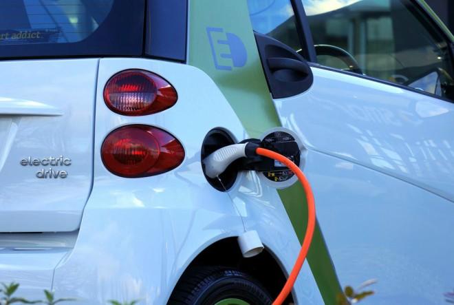 Električna vozila osvojit će polovicu globalnog tržišta do 2030. godine