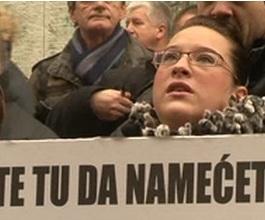 Stožer predao potpise za referendum o ćirilici [VIDEO]